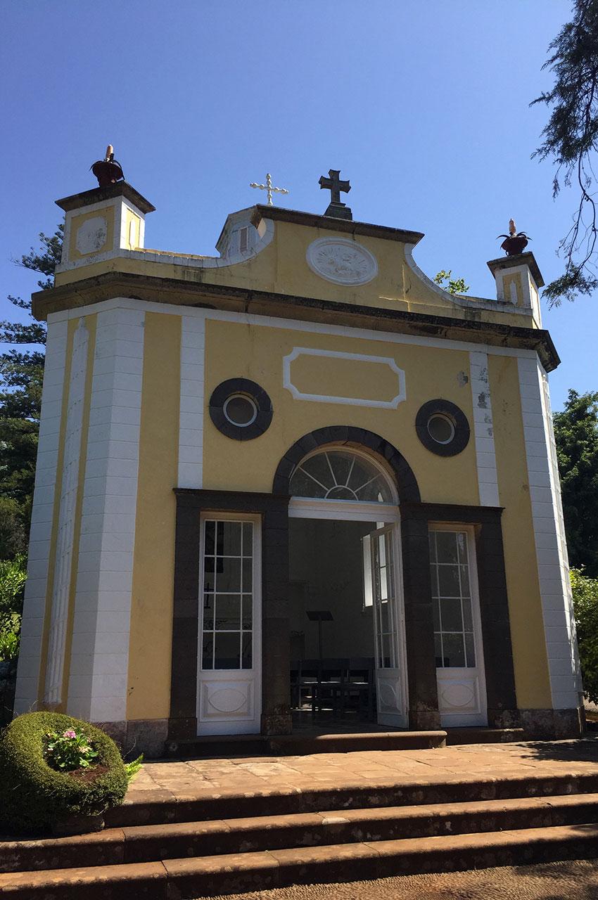 Chapelle dans les jardins de Palheiro