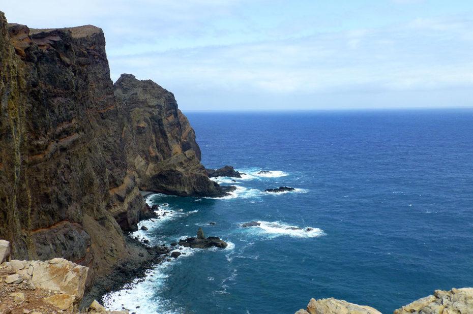 L'océan Atlantique et les falaises de l'est de l'île