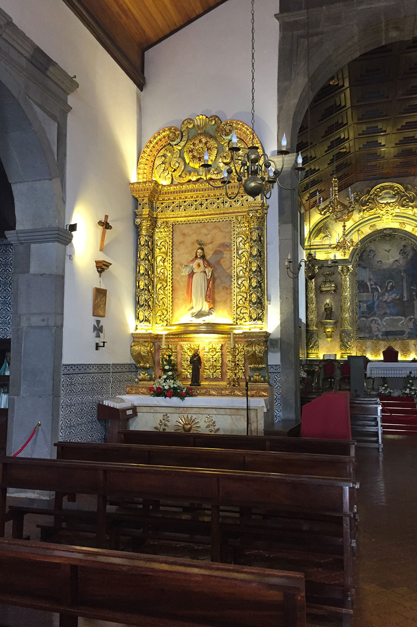 Boiseries dorées dans l'église de Santana