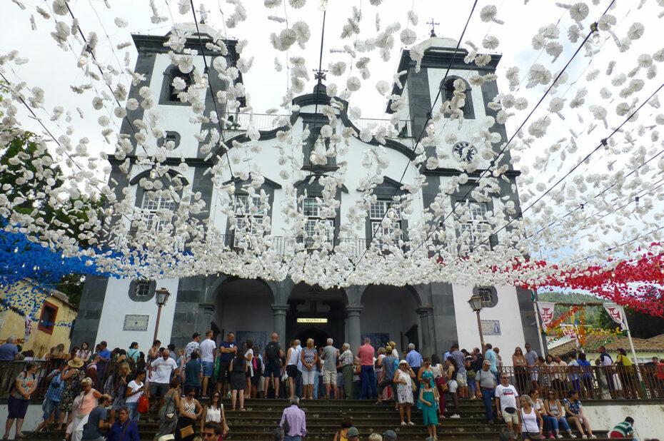 Fête de l'Assomption à l'église Nossa Senhora do Monte