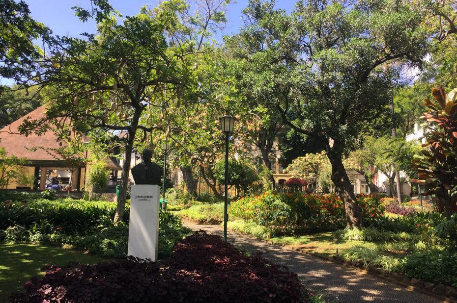 Au cœur du jardin municipal, un havre de verdure