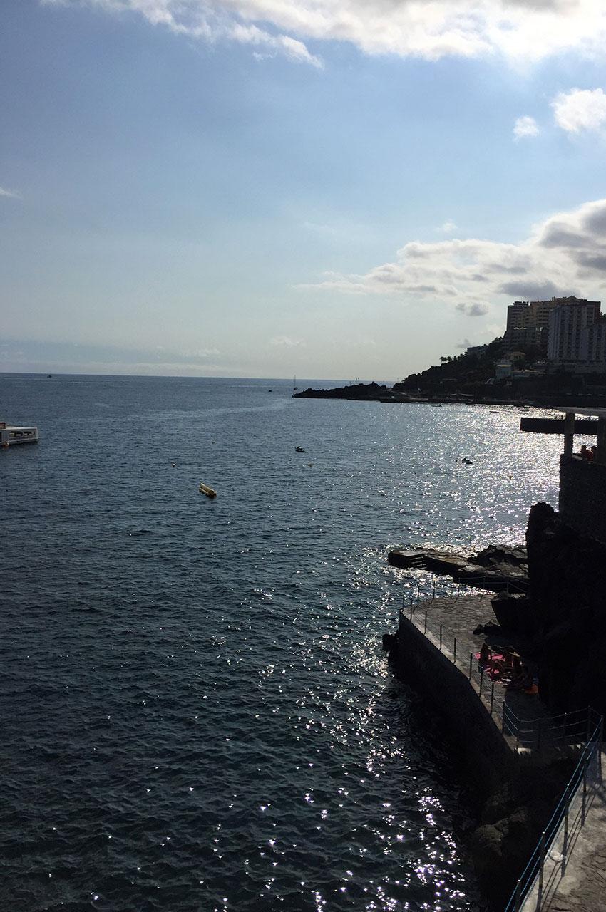 Le front de mer en fin de journée
