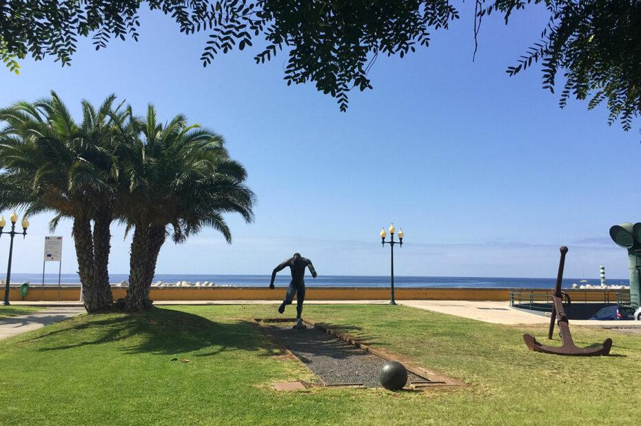 Jardin Almirante Reis, d'une superficie de 1,3 ha