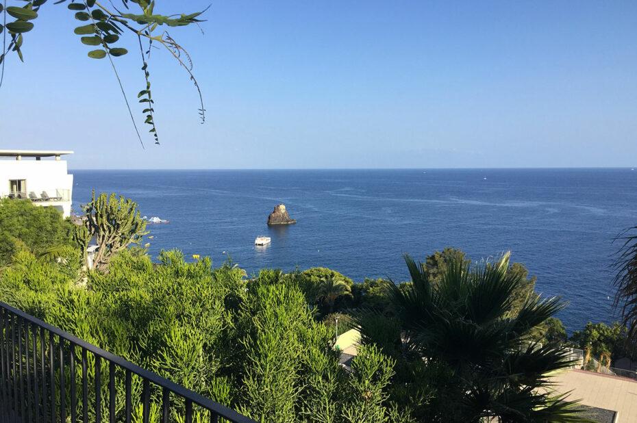 Promenade le long de la côte à Funchal