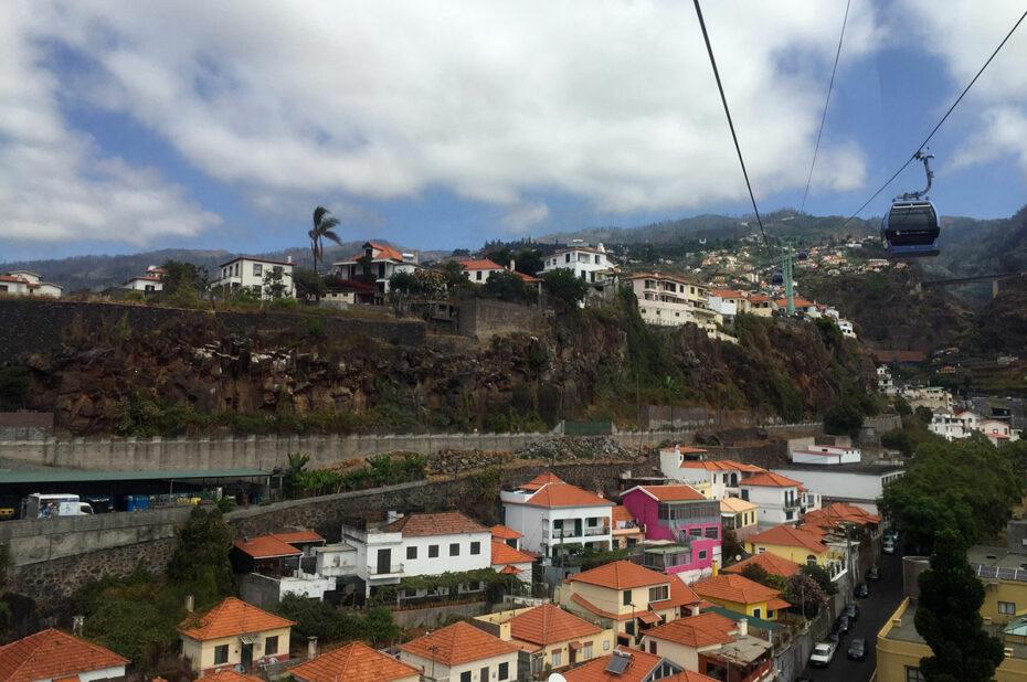 Le téléphérique rejoint le centre-ville et Monte