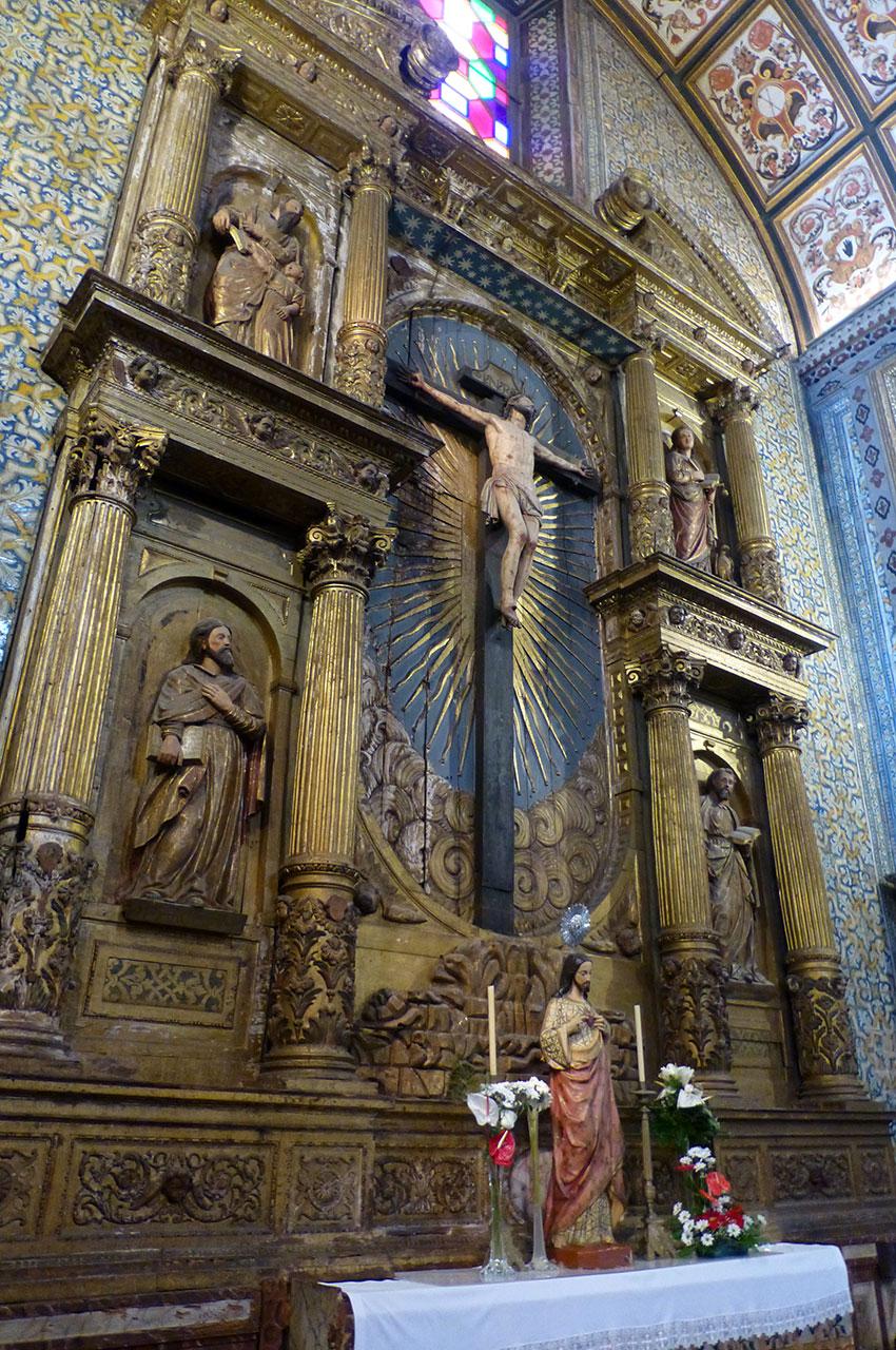 Un des autels latéraux